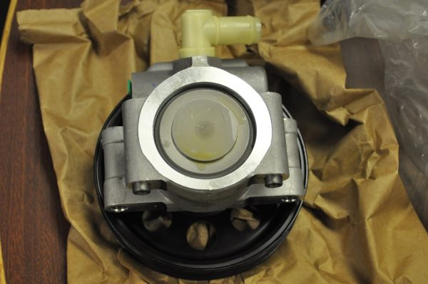New E350 Power Steering Pump (3)