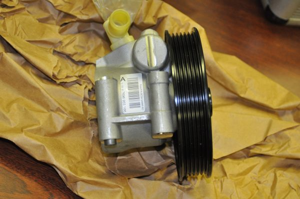 New E350 Power Steering Pump (4)